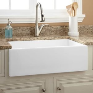 Farmhouse Sink With Accessories